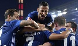 Hamburgo triunfa em Colónia em jogo com 13 minutos de descontos