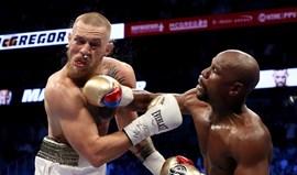Floyd Mayweather derrota Conor McGregor e faz história