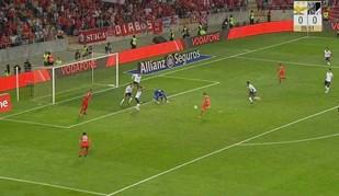 Jonas oportuno abriu o marcador em Aveiro após defesa incompleta de Miguel Silva