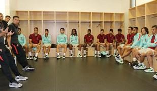 Fernando Santos surpreendeu e visitou os sub-21