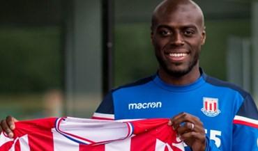Oficial: Martins Indi reforça Stoke City
