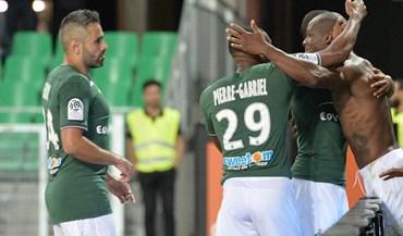 Saint-Étienne junta-se ao Monaco no topo