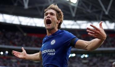 Bis de Marcos Alonso dá vitória ao Chelsea sobre o Tottenham (2-1)