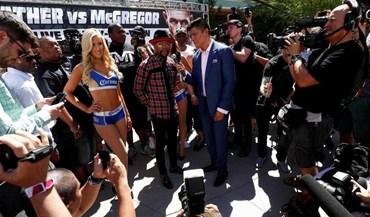 Loucura à chegada de Mayweather e McGregor a Las Vegas