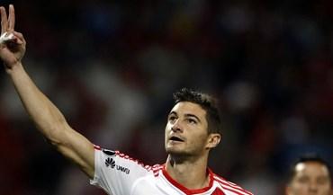 Mercado alemão fecha mas Leverkusen ainda espera Alario