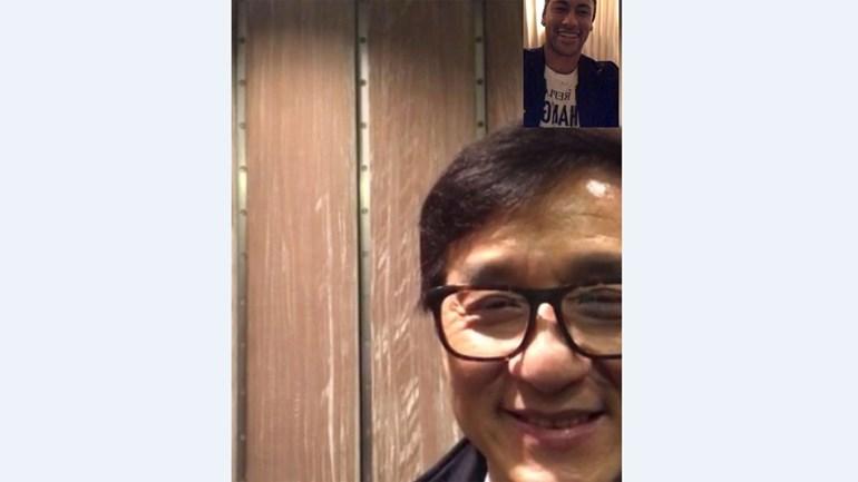 Neymar emociona-se ao falar com Jackie Chan