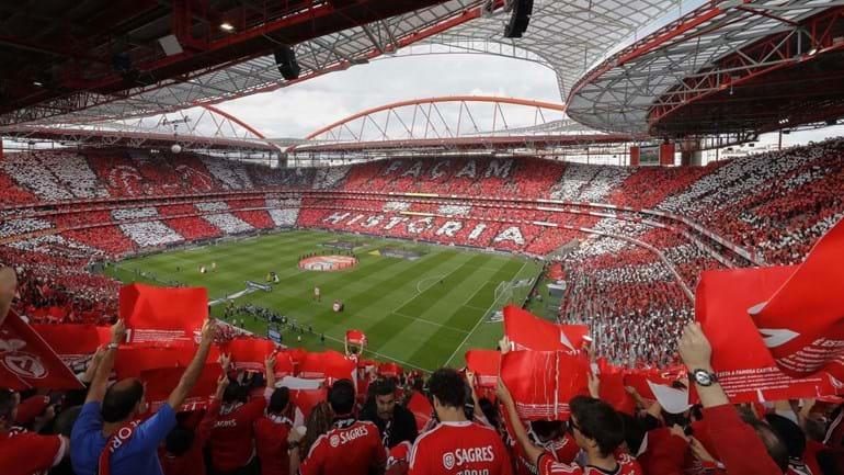 Benfica responde às críticas de