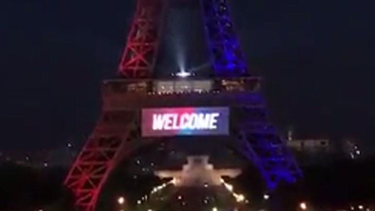 Até a Torre Eiffel deu as boas vindas a Neymar