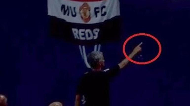 Mourinho ofereceu medalha da Supertaça Europeia a adepto