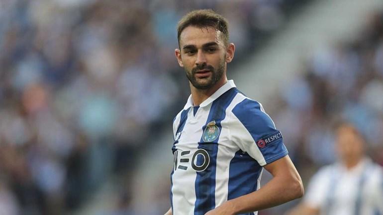 Adrián López critica FC Porto: