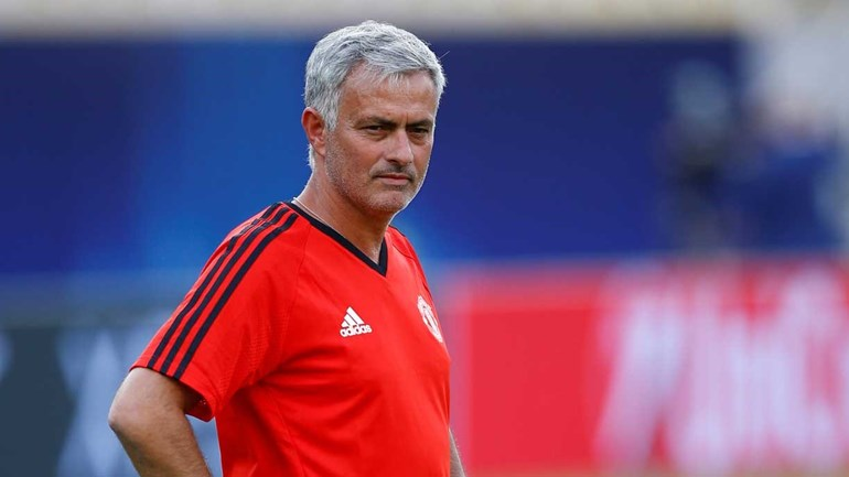 Mourinho começa Premier League com goleada ao West Ham