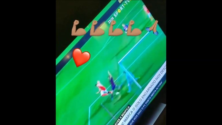 O grito da namorada de Seferovic após o golo em Chaves