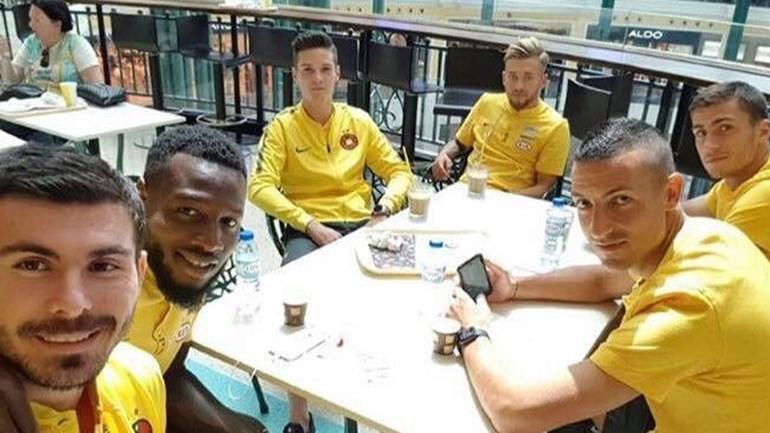Jogadores do Steaua passearam no Colombo antes do jogo em Alvalade