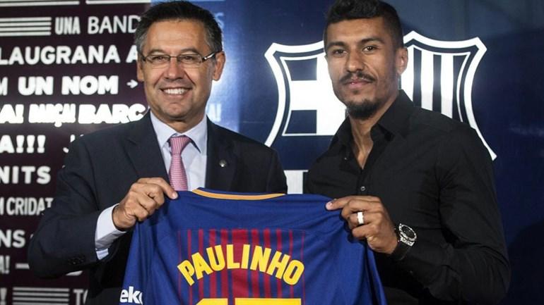 Paulinho passa em exames e é apresentado pelo Barcelona
