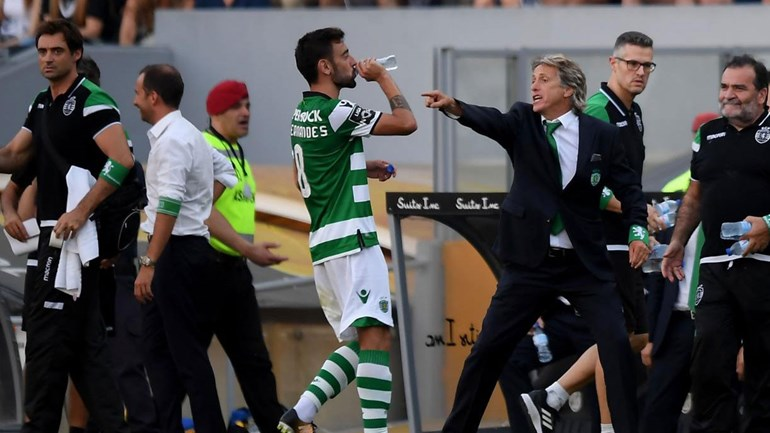 Vitória goleado (0-5) pelo Sporting no D. Afonso Henriques