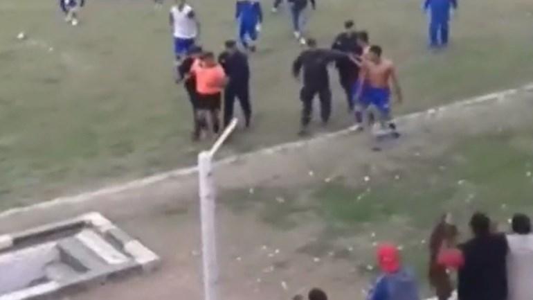 Árbitro brutalmente agredido na Argentina