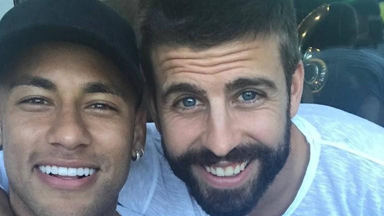 Lembra-se do Fica! de Piqué para Neymar? Pois bem, houve... resposta