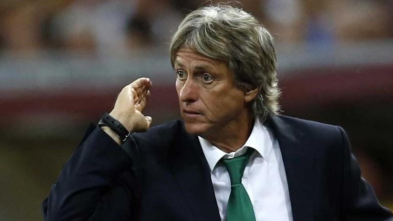 Sporting vence Estoril e lidera I Liga