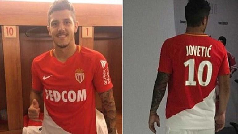 Mbappé ainda não disse adeus mas camisola 10 do Monaco já tem novo dono