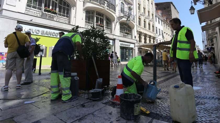 Ataques terroristas motivaram colocação de barreiras em ruas emblemáticas de Lisboa