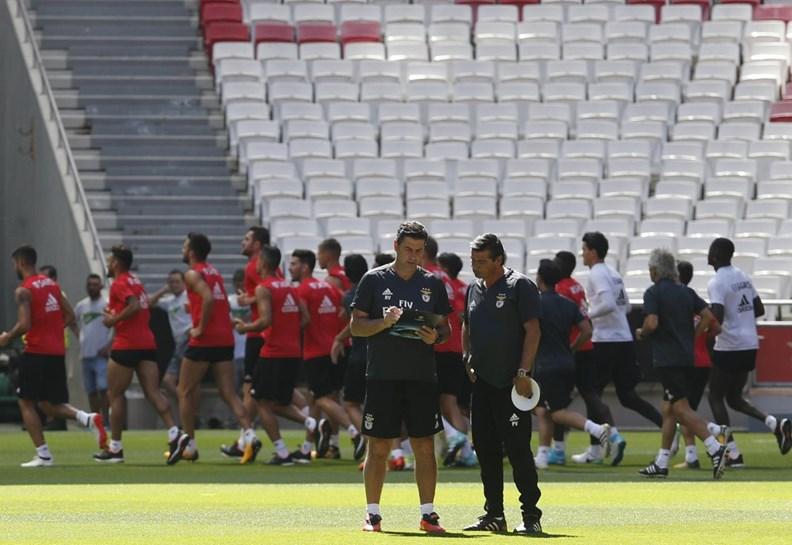 Benfica confirma ausência de Júlio César da lista de convocados — Supertaça