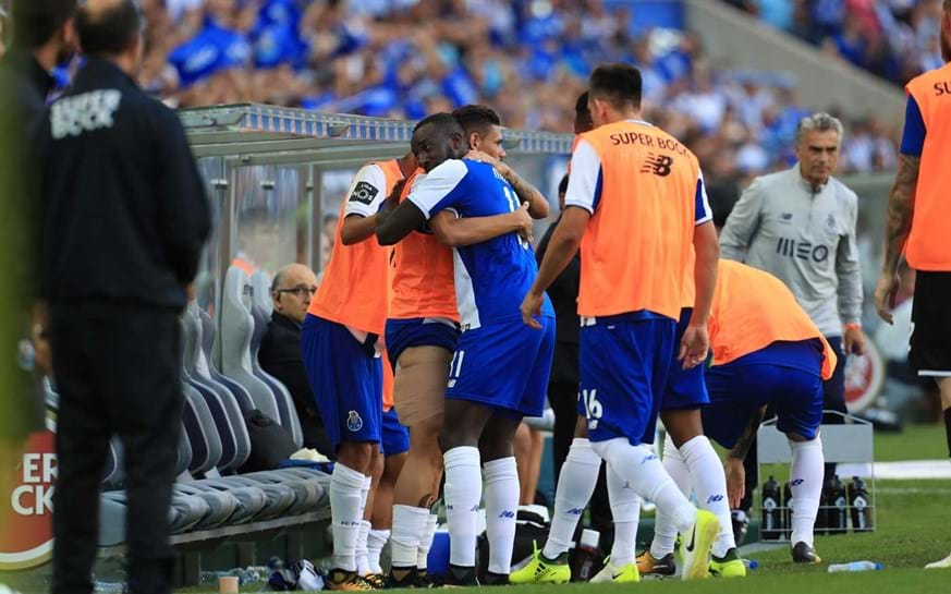 Soares e outra ausência no treino do FC Porto