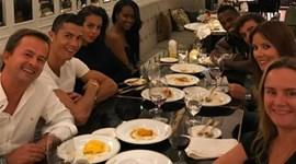 Ronaldo entre grandes amigos