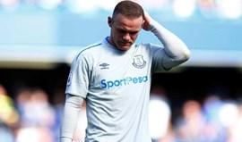 Wayne Rooney em versão... repetente: bebedeira volta a tramá-lo