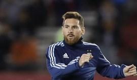 Asprilla diz que Messi joga com burros
