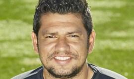 Pedro Silva leiloa medalha de campeão da 2.ª Liga e camisolas