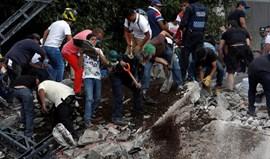 Sismo no México faz mais de 220 mortos