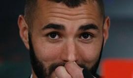 Benzema renova e pensa em acabar carreira no Real Madrid