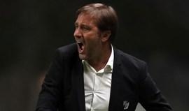 Pedro Martins pede V. Guimarães agressivo no ataque