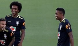 Alex Sandro chamado por Tite para substituir Marcelo