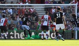 Manchester United bate Southampton e iguala melhor arranque do clube