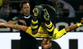 Aubameyang assina hat trick na goleada do Dortmund