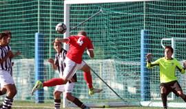 Hino à ineficácia não trava líder Benfica