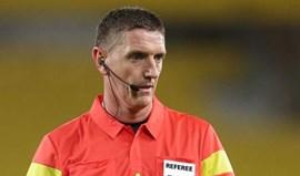 Craig Thomson é o árbitro do Basileia-Benfica