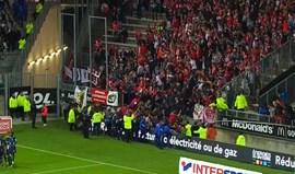 Dezoito adeptos do Lille feridos após queda de bancada