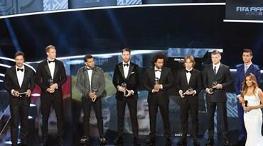 Onze do ano FIFPro: Ronaldo e mais 54 candidatos e um clube a dominar em toda a linha