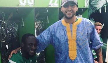 Doumbia reagiu com grande fair play à brincadeira de Alan Ruiz