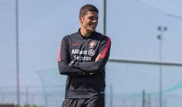 Francisco Neto quer mais bola frente à Finlândia