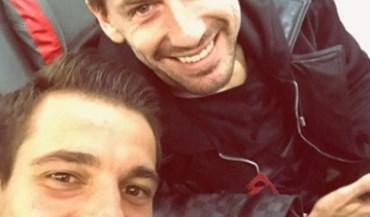 Cédric encontrou no avião um amigo dos tempos no Sporting