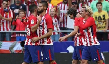 Atlético vence Sevilha com Diego Costa na bancada
