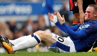 Lance com Simon Francis não deixou Rooney nada bem tratado...