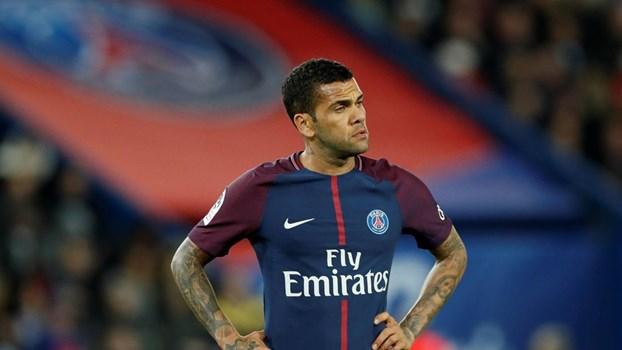 Os 'apoiantes' de Neymar no Paris SG após à polémica com Cavani