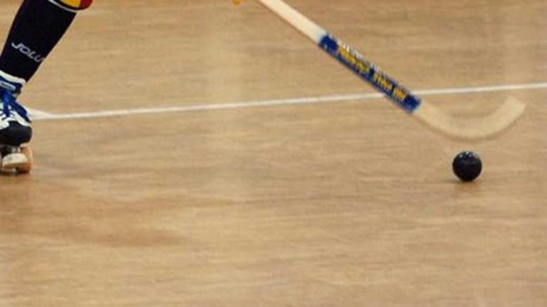 Portugal bate França e chega aos quartos de final — Hóquei-em-patins