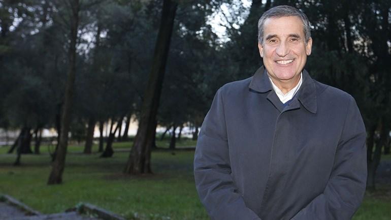 Ex-diretor da Academia do Sporting substitui Nuno Gomes no Benfica