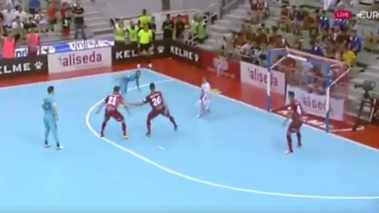 Ricardinho 'inventou' uma nova forma de marcar golos no futsal