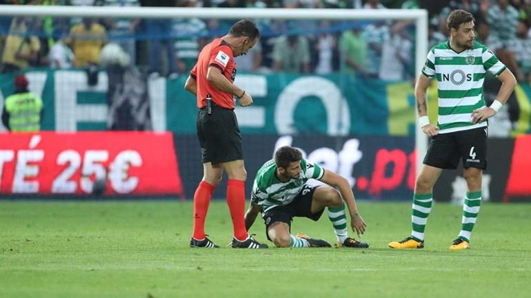 Jorge Jesus lamenta que Adrien possa ficar sem jogar até janeiro